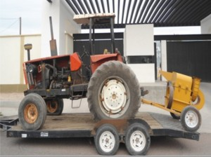 tractor adobes