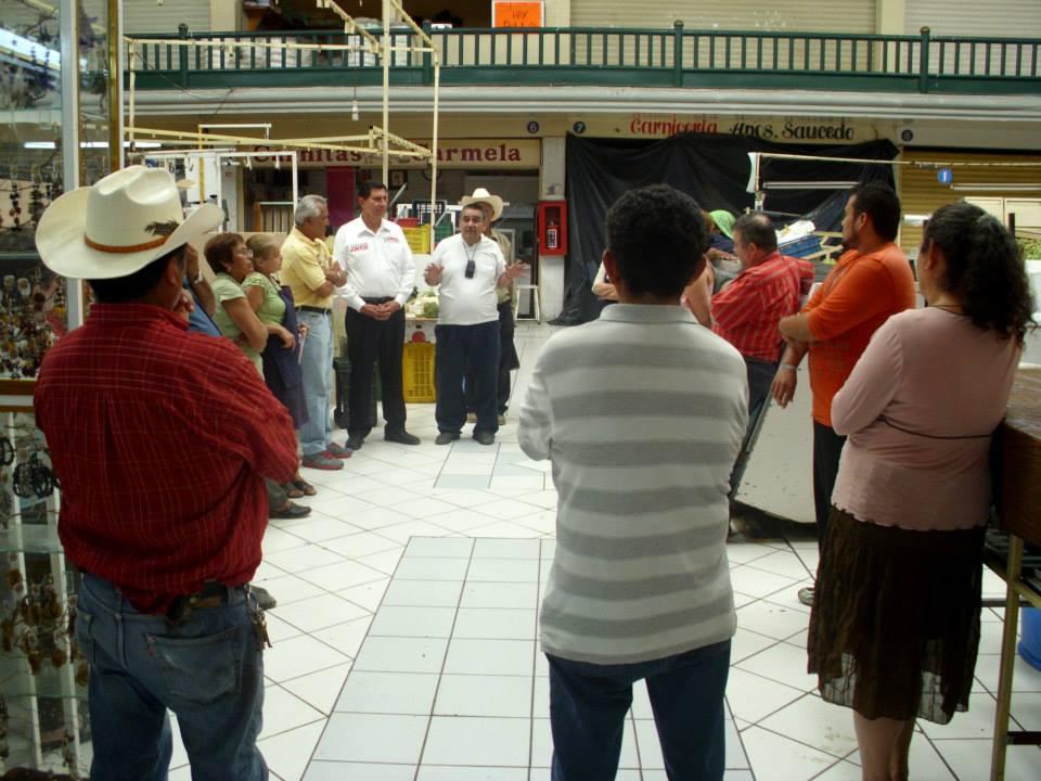 REUNIÓN CON LOCATARIOS_MERCADO GUEL JIMÉNEZ (1)