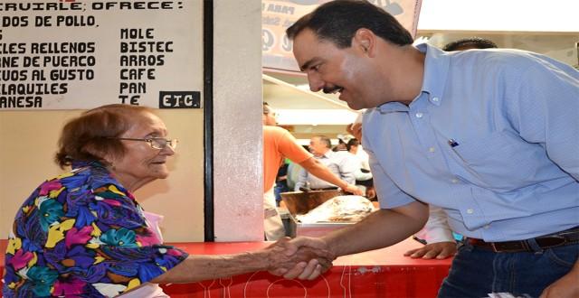 Agradeciendo en el mercado Juárez