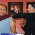 ISSEA aplicó la vacuna contra la influenza a medios de comunicación