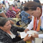 A través de la unión de esfuerzos de la federación y el estado, se realiza la primera de cinco ferias de servicios y apoyos para adultos mayores