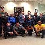 Alcalde Javier Luévano se reúne con migrantes y el Cónsul de Los Ángeles