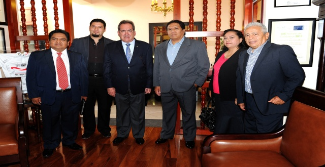 Reunión con la Alianza Ministerial Evangélica 12-JUN-13 1206141