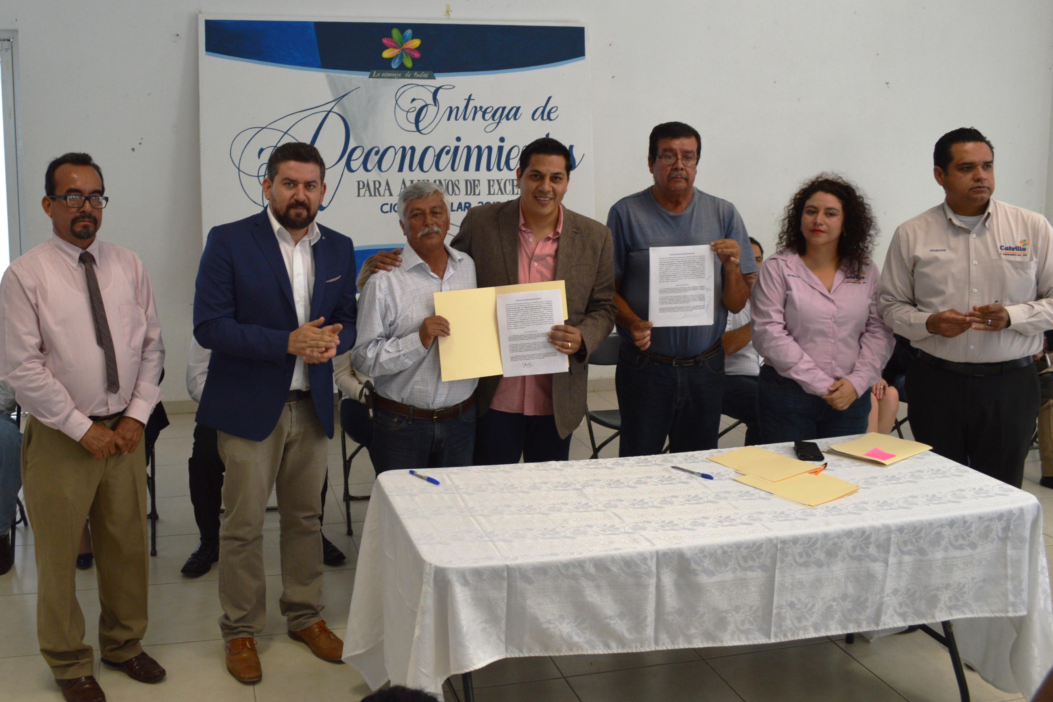 MÁS DE 1,200 ESTUDIANTES SERÁN APOYADOS POR EL AYUNTAMIENTO DE CALVILLO