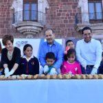 GOBIERNO DEL ESTADO Y DIF ESTATAL COMPARTEN CON MILES DE PERSONAS MONUMENTAL ROSCA DE REYES