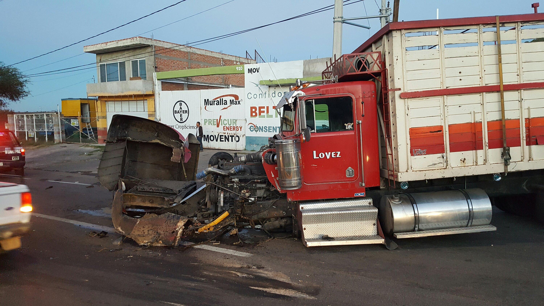 FUERTE ACCIDENTE EN EL BULEVAR