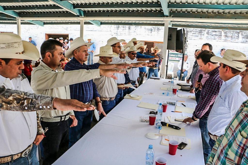 Respaldan ganaderos de Calvillo a Juan Valdivia para el periodo 2018-2020