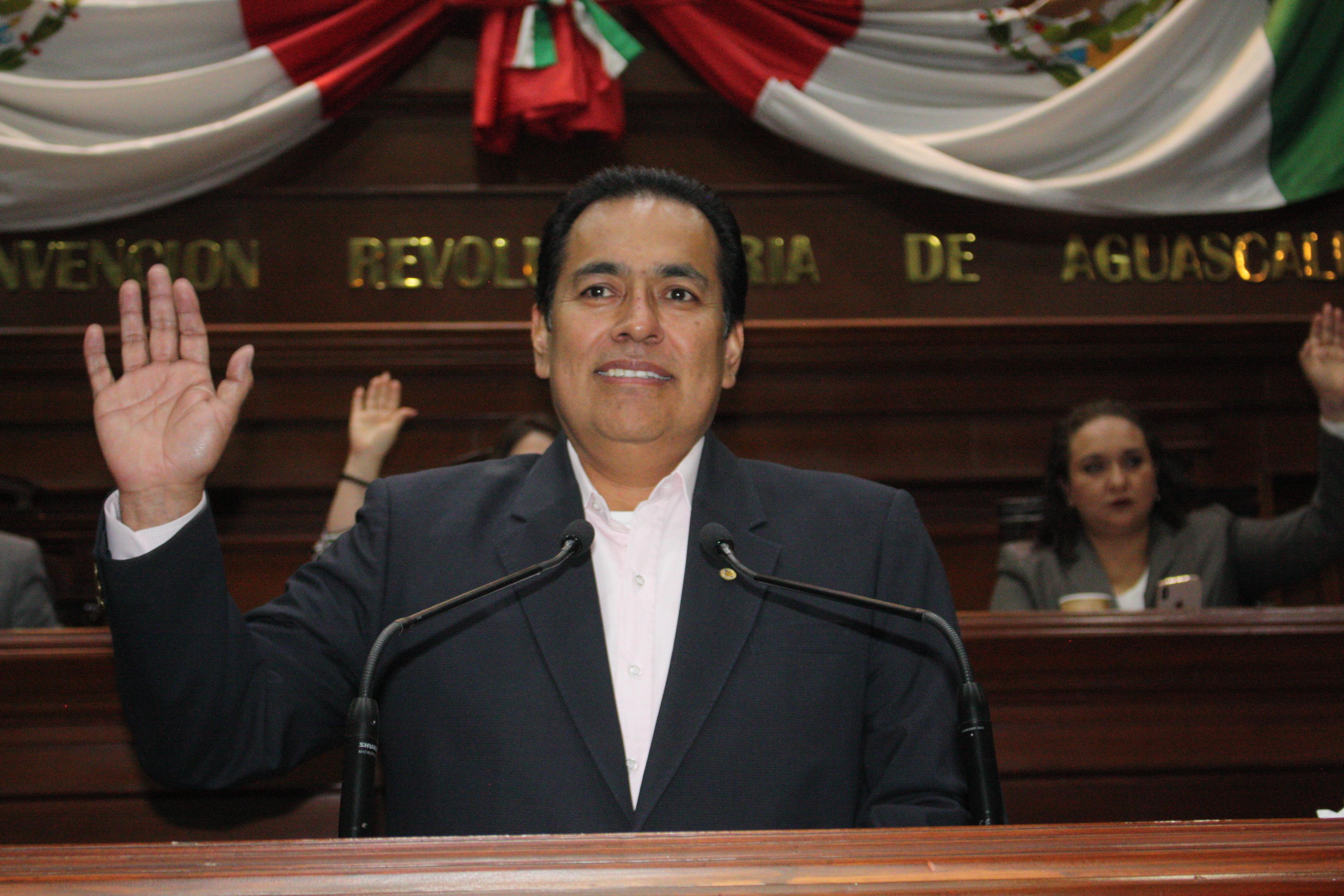 MEMO ALANIZ EXHORTA A SERVIDORES PÚBLICOS A NO DESCUIDAR SU LABOR POR CAMPAÑAS ELECTORALES