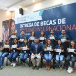 DOCE JÓVENES CALVILLENSES ESTUDIARÁN EN ECUADOR
