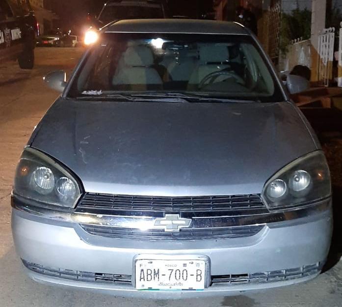 Fue detenida una persona por conducir un vehículo con reporte de robo